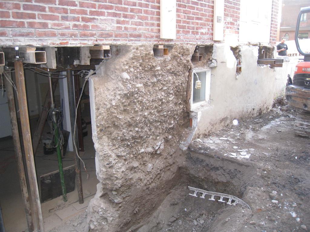 Refaire Fondation Maison Ancienne remplacer une fondation  - effritement, mauvaise fondation